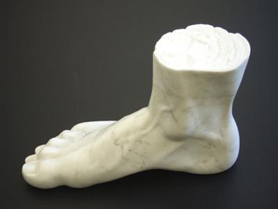 Monsieur Grand Pieds rechter Fuß